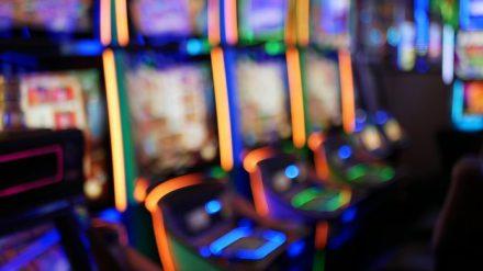 เกมส์ สล็อต ออนไลน์ สมัครรับโบนัสฟรี 50 เปอร์เซ็นต์ ฝากไม่มีขั้นต่ำ