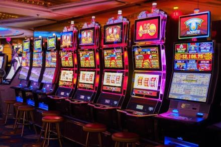 เกมส์ยิงปลาออนไลน์ Slot สล็อตออนไลน์ สล็อต เกมสล็อต คาสิโนออนไลน์มือถือ คาสิโนสด